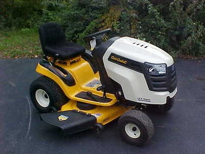 cub cadet lawn tractors in Riding Mowers